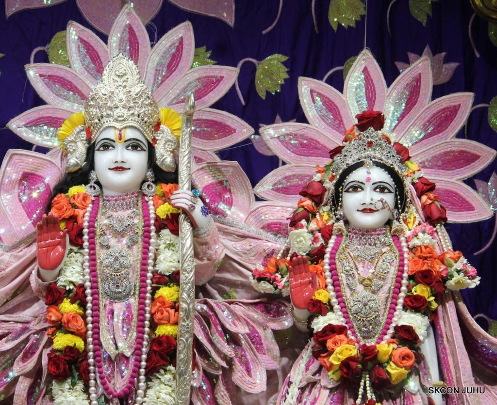 ISKCON Juhu Sringar Deity Darshan 5 Jan 2017 (24)