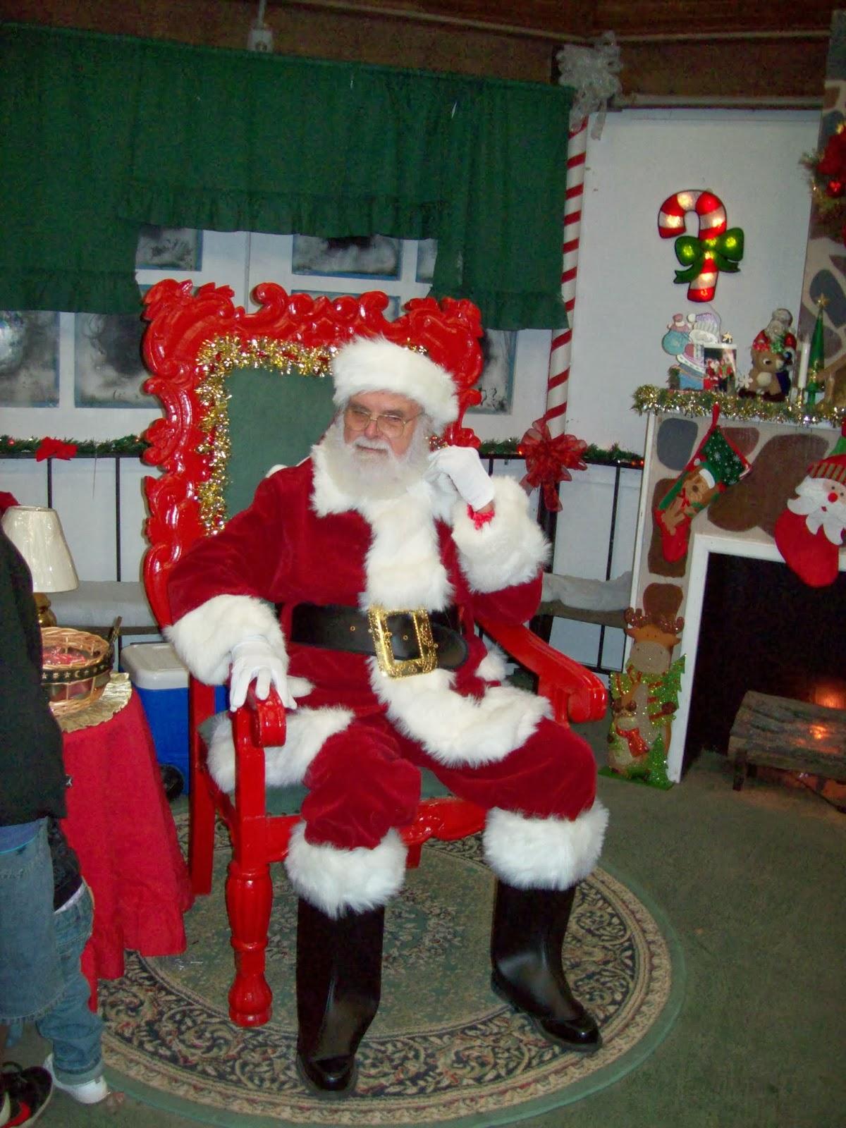 Visiting Santa - 114_6754.JPG