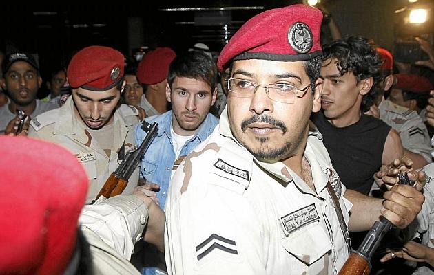 Messi até teve uma espingarda apontada à cabeça na chegada à Arábia Saudita