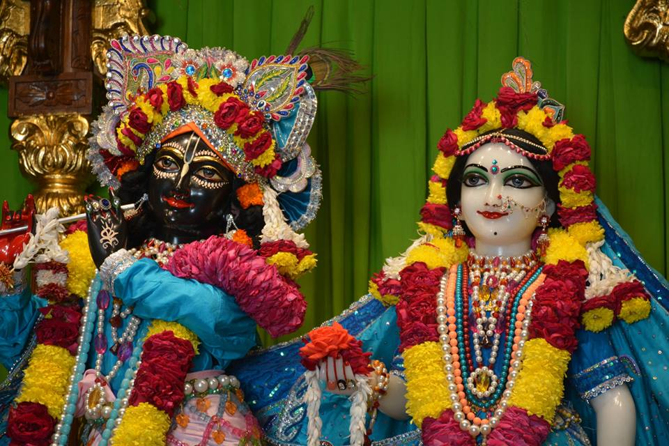 0ISKCON Ujjain Deity Darshan 08 Jan 2016 (12)
