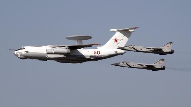 ... Vladimir Putin manda la fuerza aérea rusa a Siria, en apoyo de Assad