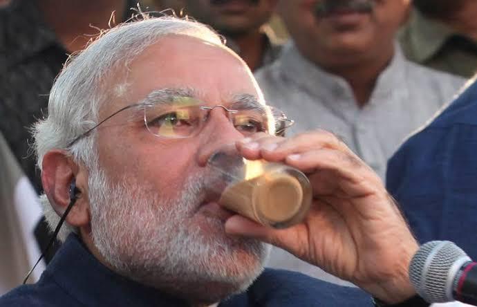 Ratusan Orang India Minum Urine Sapi untuk Cegah Virus Corona