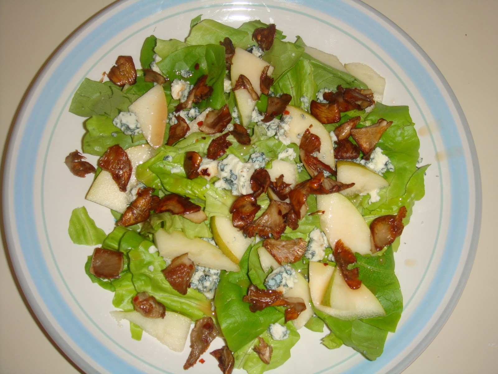 Creative Cooking: Butter Lettuce Salad with Crispy ...