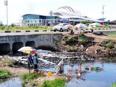 Mehaup Ikan, Fenomena Dadakan Mengais Rezeki di sekitar Bandara