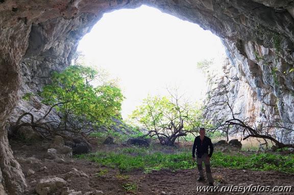 Cuevas de Jauletas y Horgazal