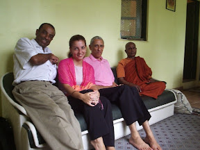 Jorge, Fabiana, Arthur e Ven. Bhante Gunaratana (2005)