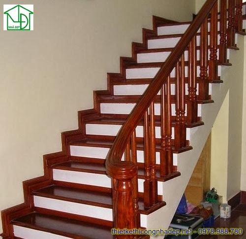 Cầu thang bằng gỗ tự nhiên