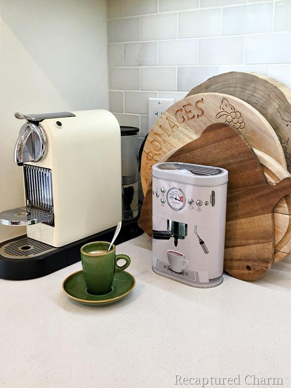 [kitchen+makeover+coffee+corner+3%5B5%5D]
