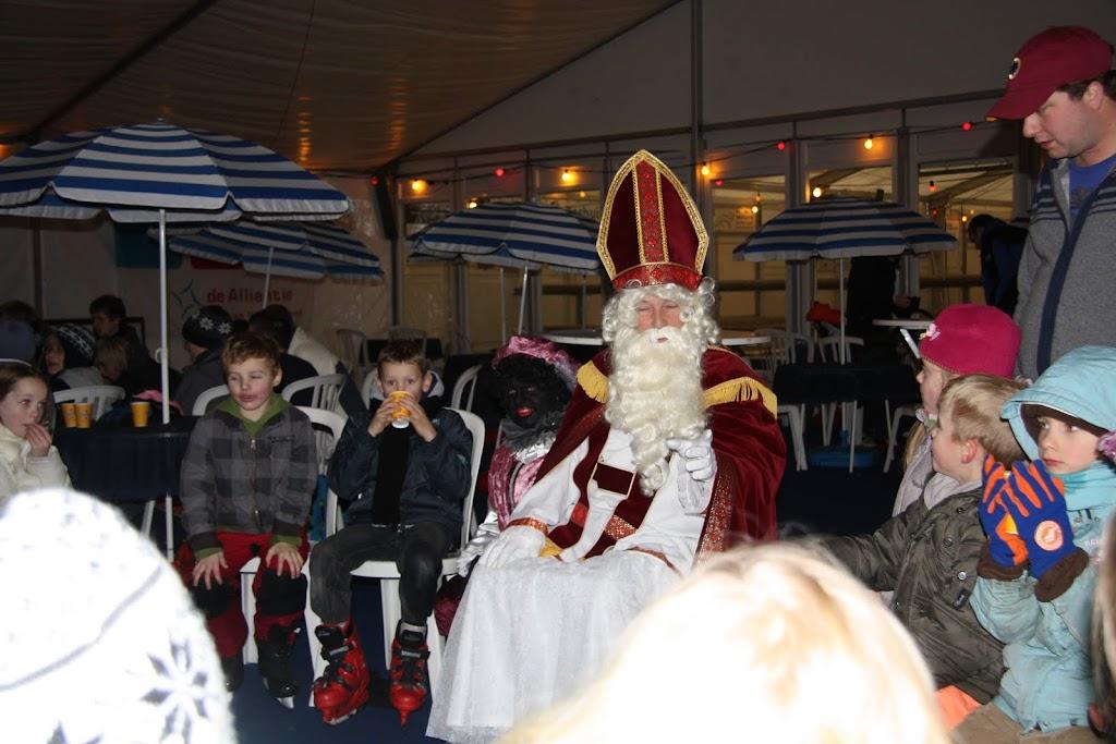 Sinterklaas bij de schaatsbaan - IMG_0416.JPG