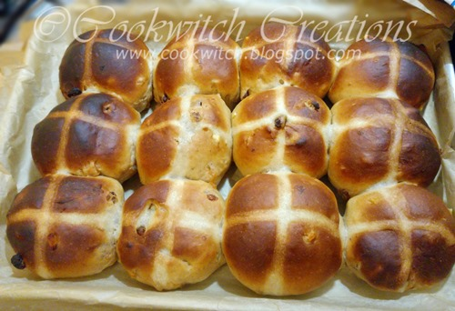 Delia buns baked