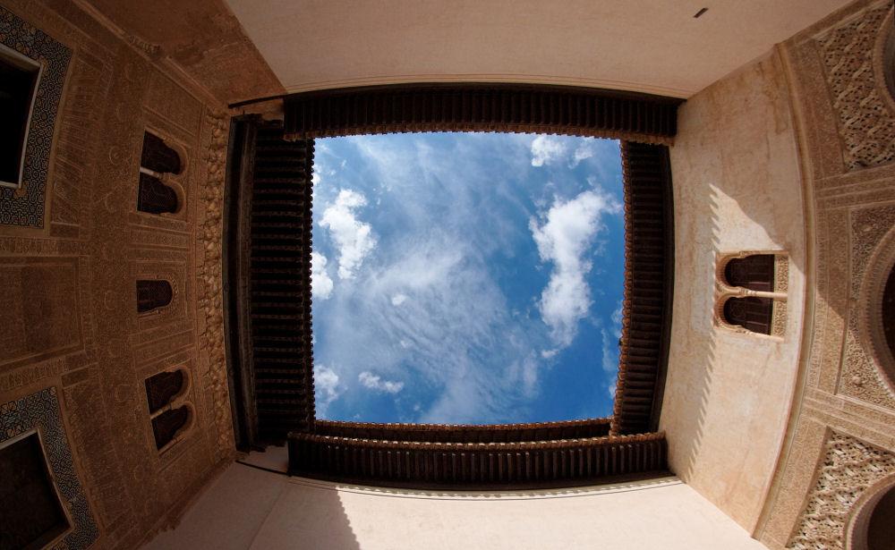Небо над Альгамброй