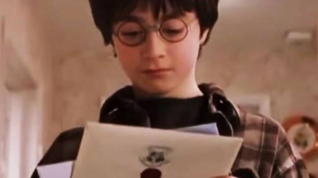 Há exatamente 30 anos atrás Harry Potter recebia sua primeira carta para Hogwarts