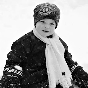 Snow Baby by Marsha Grimm - Black & White Portraits & People ( snow, adorable, boy,  )
