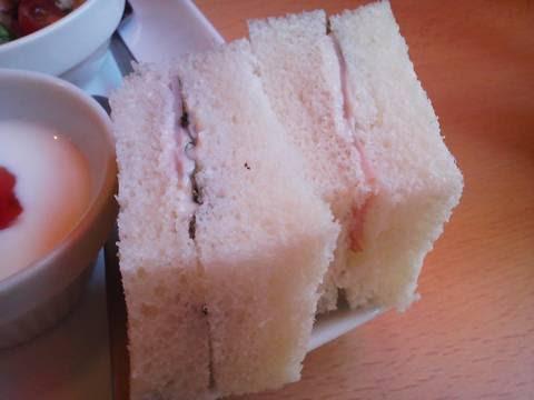サンドイッチ1 アイ・カフェ珈琲館
