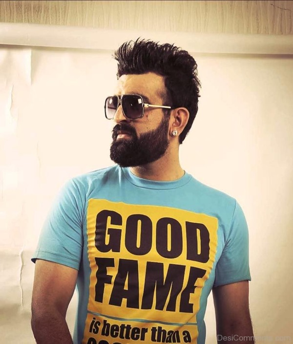 Navraj-Hans-Looking-Cool-DC1517