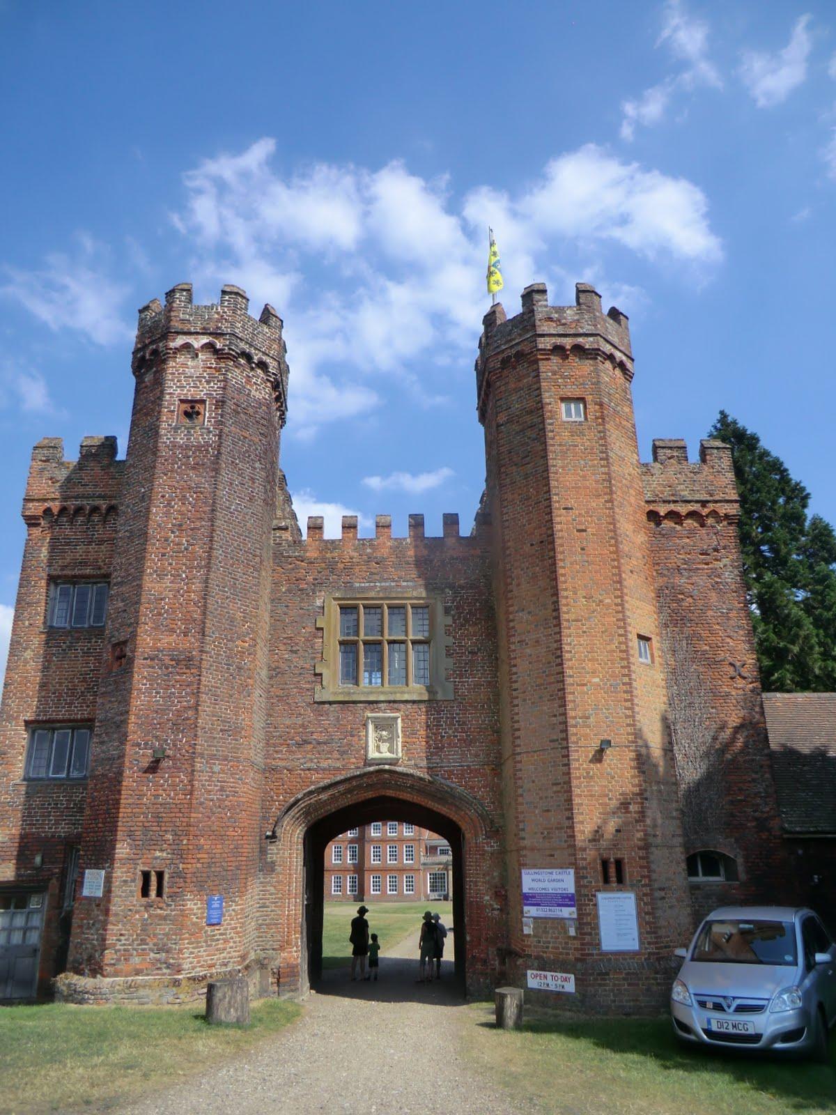 CIMG7507 Tudor Gatehouse, Lullingstone Castle