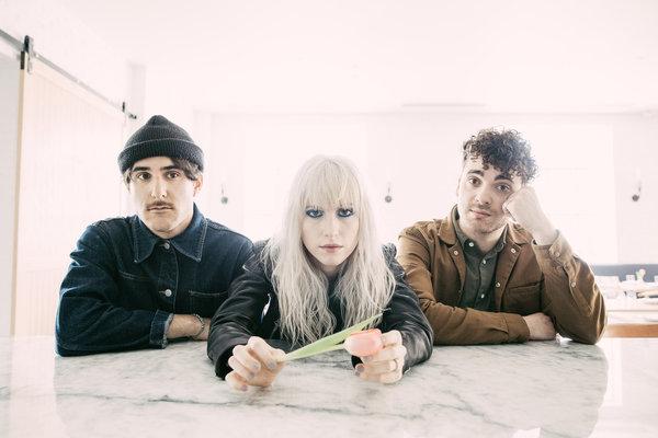 Paramore Perkenalkan Single Terbaru 'Hard Time' Dan Album Terbaru 'After Laughter'