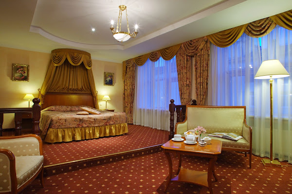 Grand Hotel Emerald, пр-кт Суворовский, 18, Санкт-Петербург, Russia, 191036