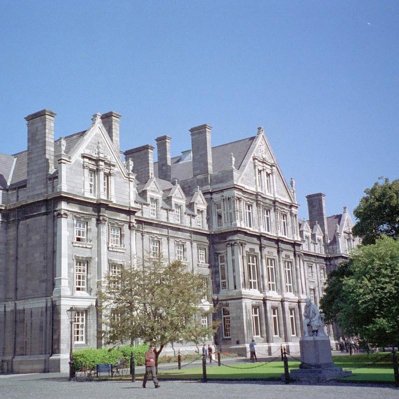 Ireland_01 Dublin Trinity College.jpg
