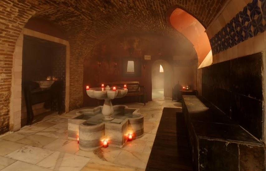 Sala de descanso en los baños árabes en Madrid