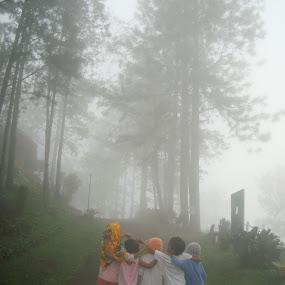 5 in 1 by Empty Deebee - People Street & Candids ( foggymorning,  )