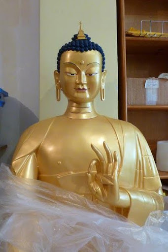 Just unpacked Maitreya Statue at Centro Nagarjuna Valencia, Spain, April 2012