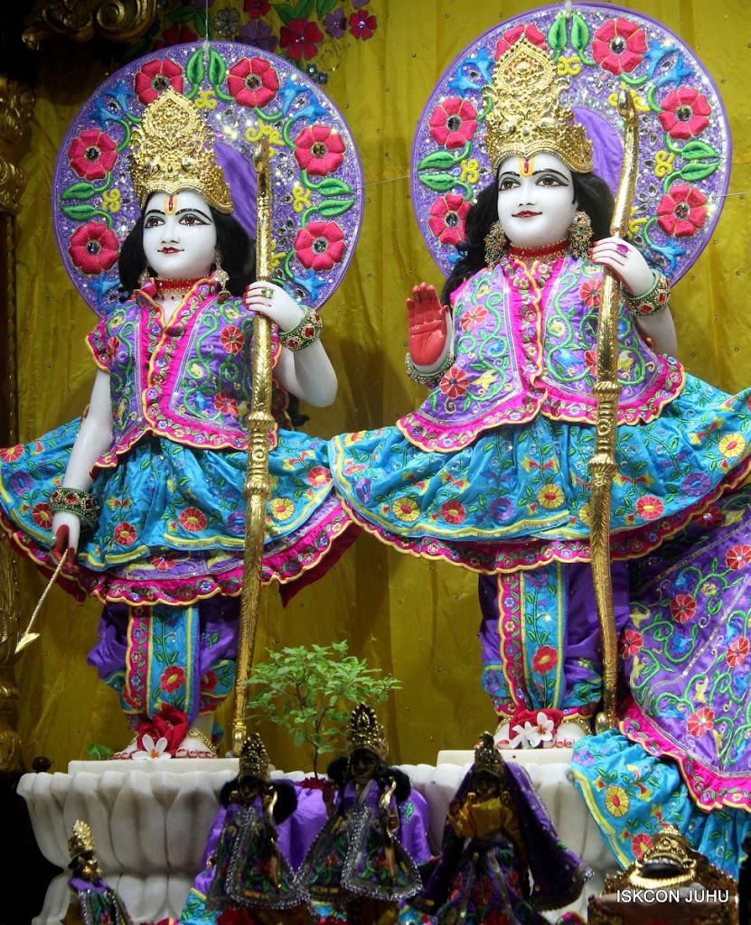 ISKCON Juhu Mangal Deity Darshan on 31st July 2016 (3)