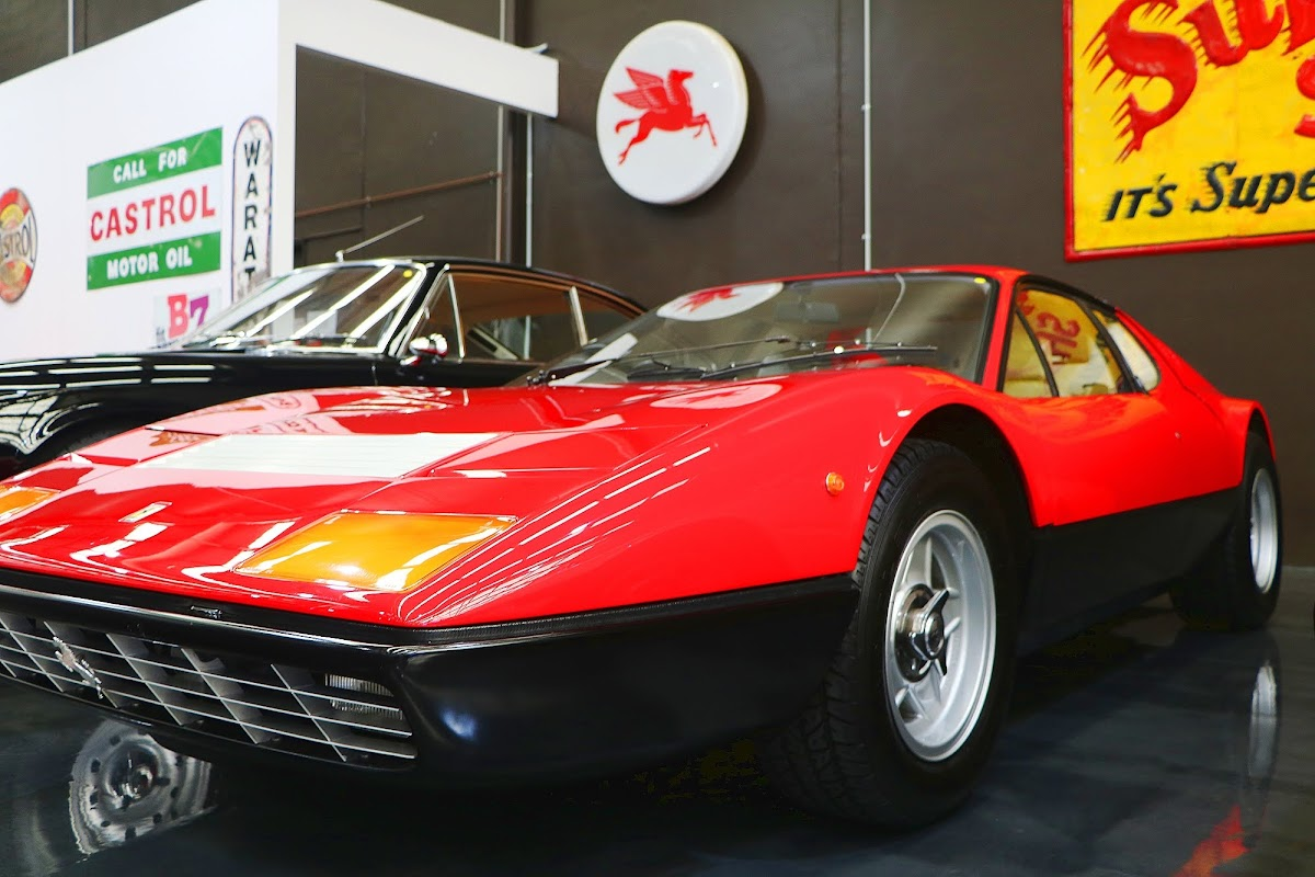 1975 Ferrari 365 Boxer GT4 (08).jpg
