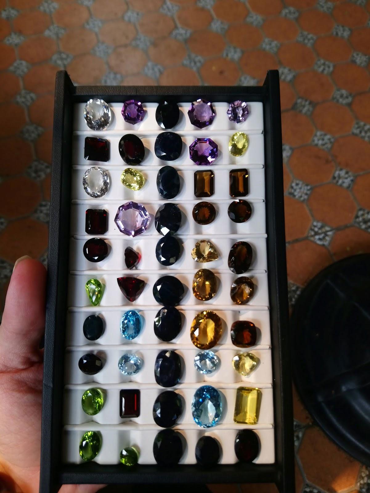 Đá quý, bán quý hàng thiên nhiên các lọai Natural Citrine, Natural Topaz, Natural Amethyst, Natural Peridot, Natural Garnat, Natural Ruby, Natural Sapphire...