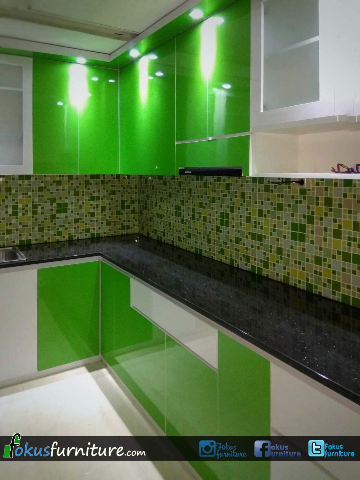 Kitchen Set Nuansa Hijau Cengkareng Timur