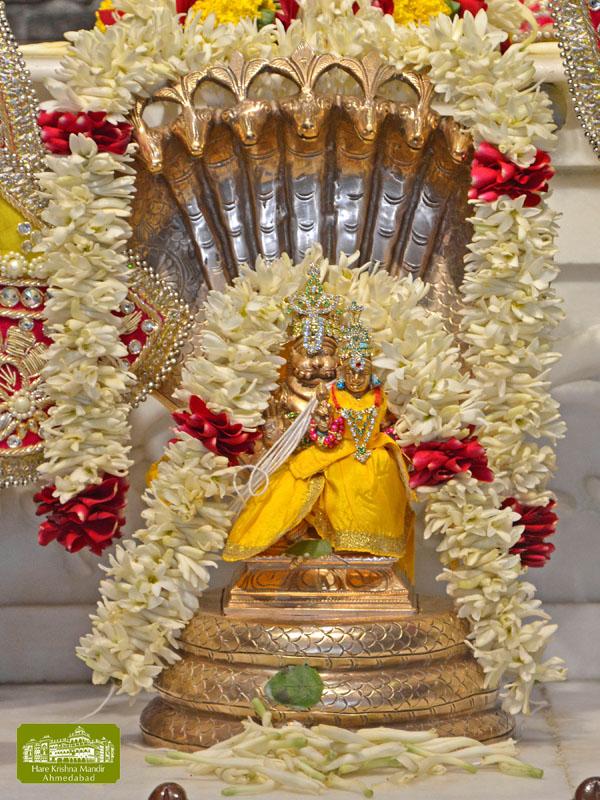 ISKCON Hare Krishna mandir Ahmedabad  07 Jan 2017 (10)