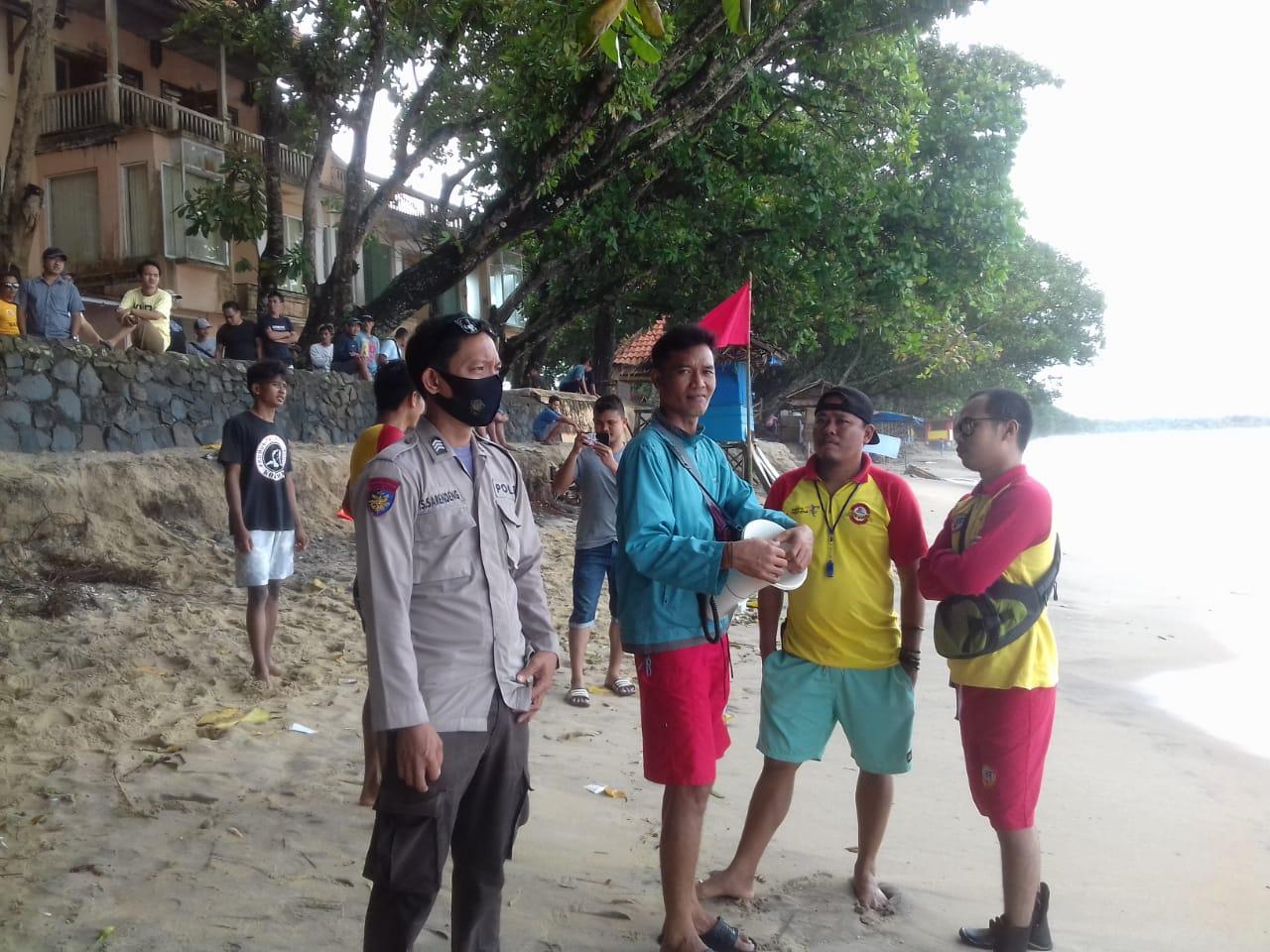 Ditpolairud Polda Banten Himbau Pengunjung Pantai Carita Untuk Berhati-hati