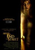 C381c-ME1BB99ng-CuE1BB91i-PhE1BB91-2012-House-At-The-End-Of-The-Street-2012