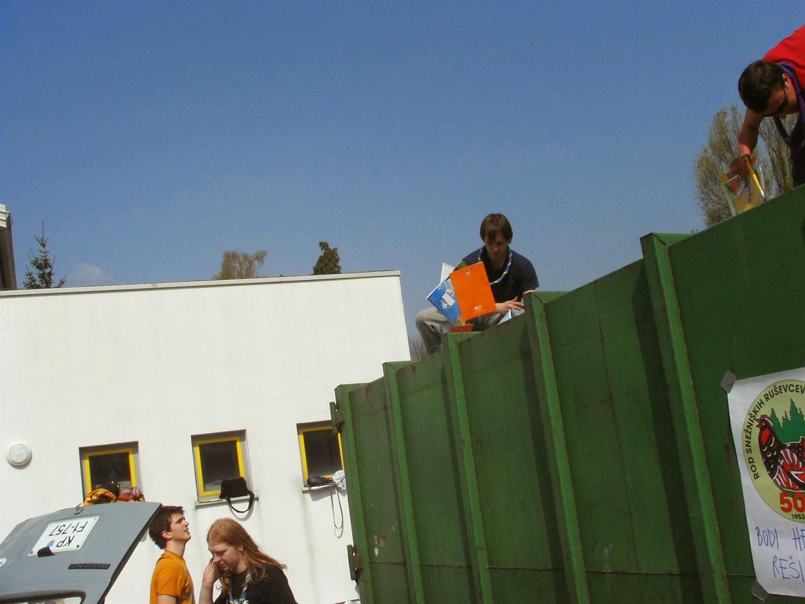 Zbiranje papirja, Ilirska Bistrica 2006 - KIF_8356.JPG