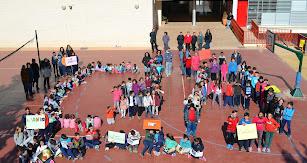 Docentes y alumnos del CEIP Zubeldia.