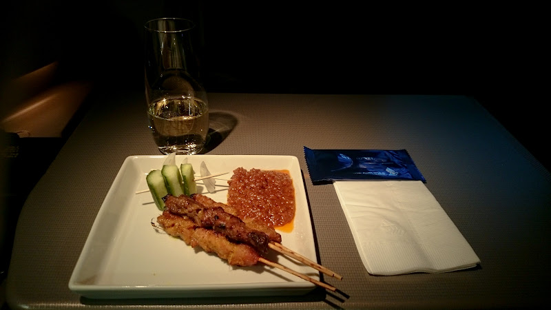 LHR SIN 38 - REVIEW - Singapore Airlines : Business Class - London to Singapore (B77WN)