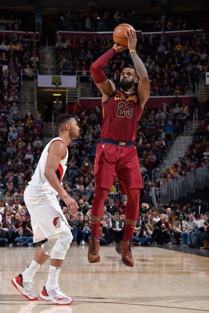 finest selection 84933 cea37 ... LBJ Debuts His 20th Colorway of Nike LeBron 15 in Cavs Win ...