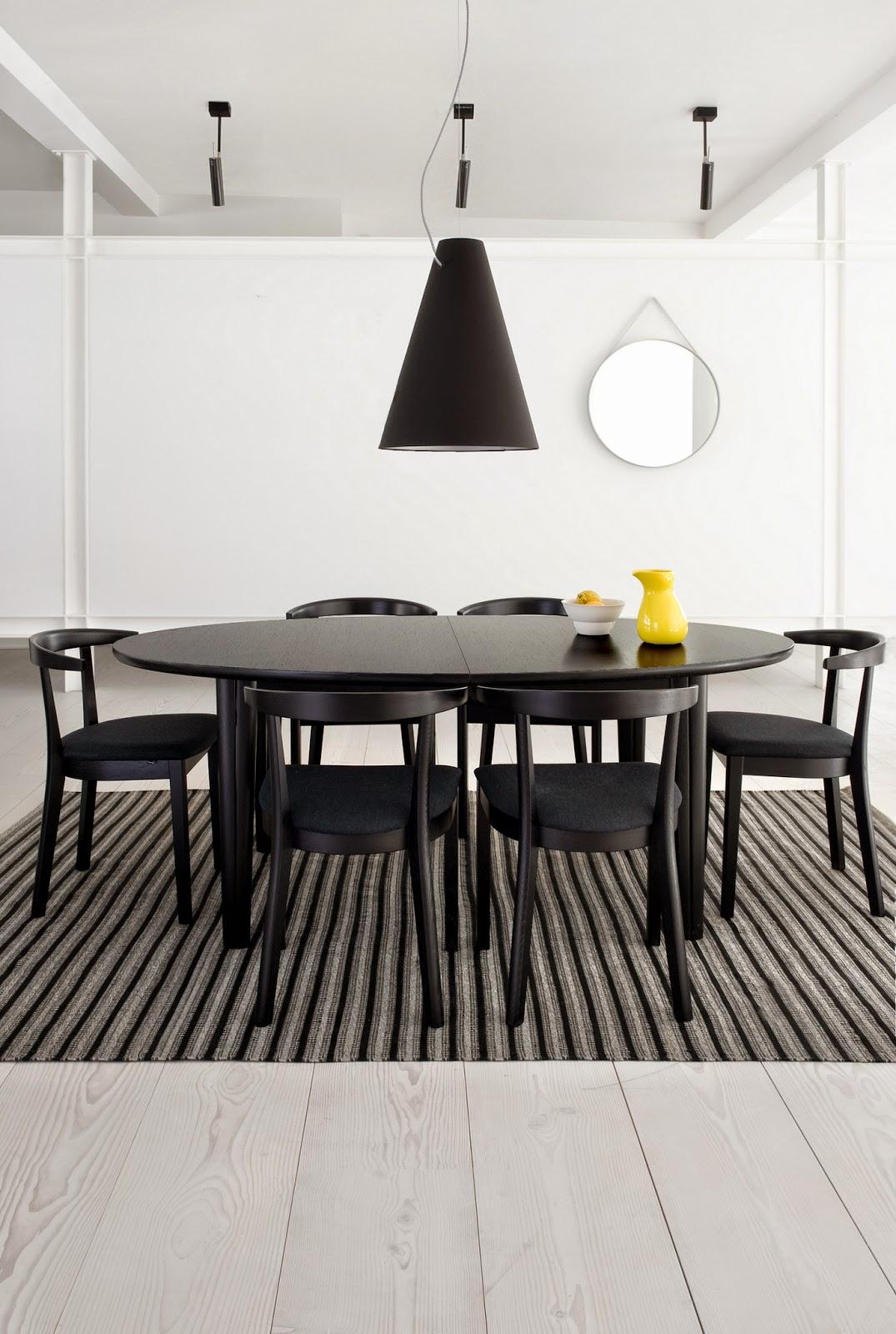 Ovale tafel SM 78 -   Noordkaap meubelen