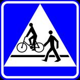 D-6b  przejście dla pieszych i przejazd dla rowerzystów  Oznacza miejsce przeznaczone do przechodzenia pieszych i przejeżdżania dla rowerzystów w poprzek drogi. Znak umieszcza się bezpośrednio przed przejazd dla rowerzystów i przejazdem dla rowerzystów znajdującymi się obok siebie. Kierujący pojazdem zbliżający się do miejsca oznaczonego znakiem jest obowiązany zmniejszyć prędkość tak, aby nie narazić na niebezpieczeństwo pieszych znajdujących się w tych miejscach lub na nie wchodzących oraz rowerzystów znajdujących się w tych miejscach lub na nie wjeżdżających. Umieszczona pod znakiem tabliczka T-27 wskazuje, że przejście dla pieszych jest szczególnie uczęszczane przez dzieci.