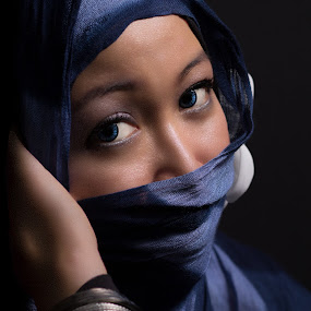 Clarity by Nanto 사파이어 - People Portraits of Women ( woman, jilbab, kerudung,  )