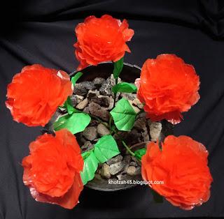 bunga mawar dari limbah plastik