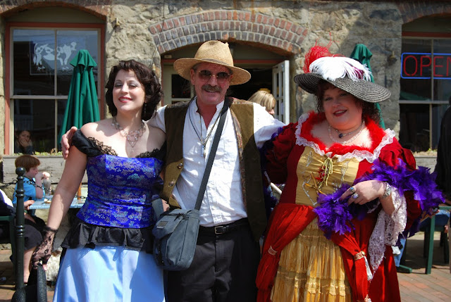 Two Fairhaven harlots with man / Credit: Bellingham Whatcom County Tourism