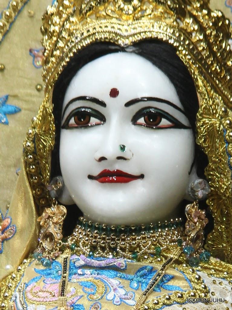 ISKCON Juhu Mangal Deity Darshan on 29th May 2016 (5)
