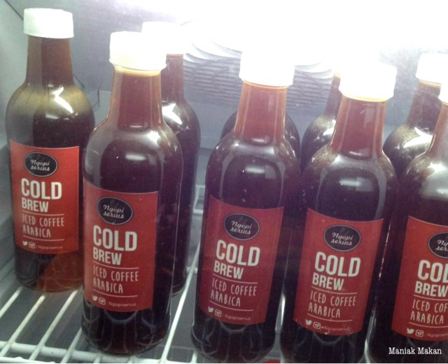 maniak-makan-ngopi-serius-cold-brew-iced-coffe-arabica