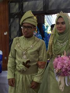 Selamat Pengantin Baru Hadi and Wife