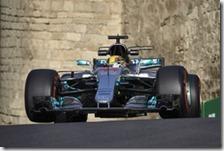 Lewis Hamilton ha conquistato la pole del gran premio dell'Azerbaigian