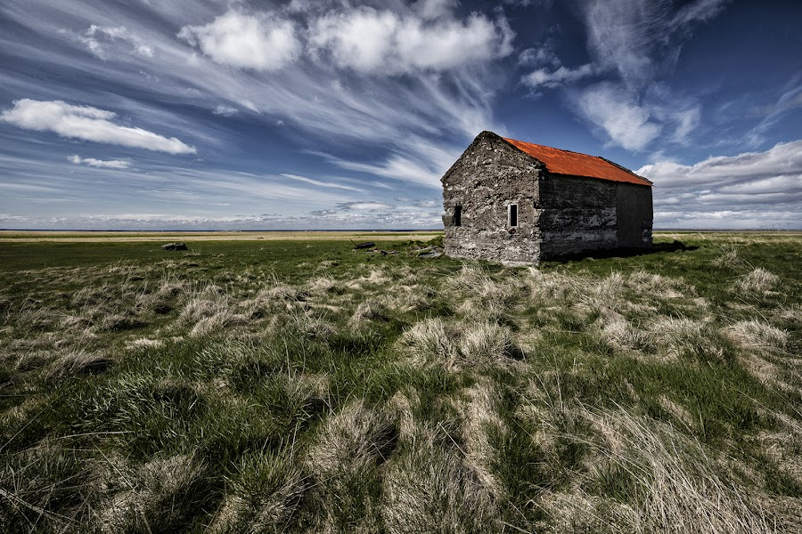 Barn on Prairie by Þorsteinn H. Ingibergsson - Buildings & Architecture Decaying & Abandoned ( sky, nature, barn, þorsteinn h ingibergsson, structor, iceland, clouds, abandoned, landscape )