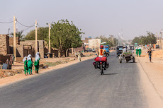 Cycling into Shendi.