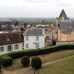 Château d'Ecouen : terrasse nord et village