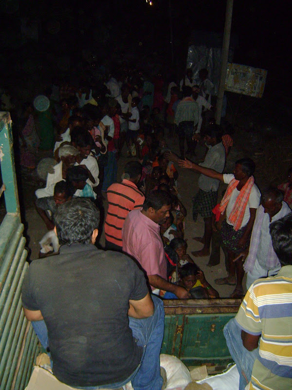 TeNA Flood Relief Distribution in Palamoor - DSC00201.JPG